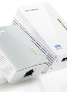 Tp-Link AV600 Wireless Powerline Adapter Kit - Twin Pack